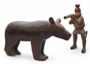 Skulptur. Jägare Och Björn. Samearbete. Skuret Och Bemålat Trä by Nils Nilsson (Sami Artist) SKUM