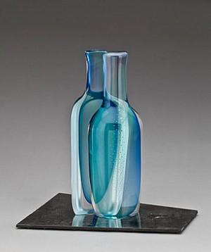 Skulptur I Form Av Tudelad Flaska by Göran WÄRFF