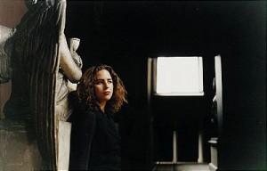 Kvinna I Museiinterör by Ola BILLGREN