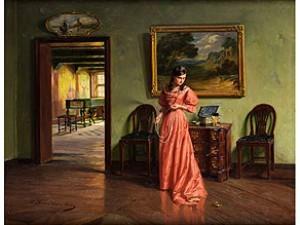 junge dame im interieur beim anlegen einer perlenkette